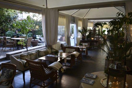 Metropole Hotel: Jardin d'hiver