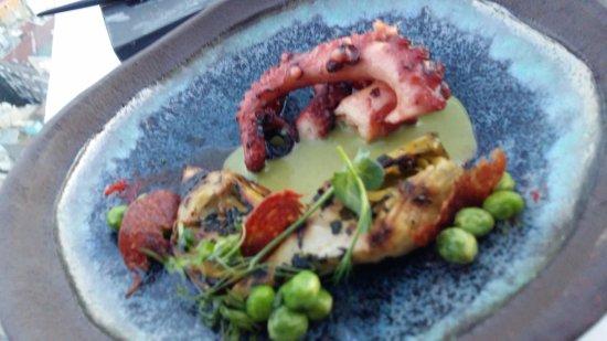 Mikla Restaurant: Octopus starter