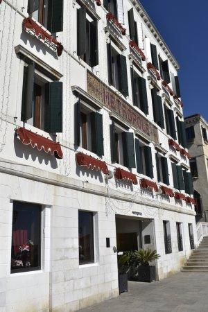 Metropole Hotel: Extérieur