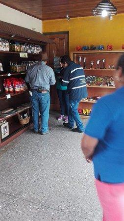 Sarapiqui, Costa Rica: Guia Agropecuaria en Mi Cafecito Coffee Tour