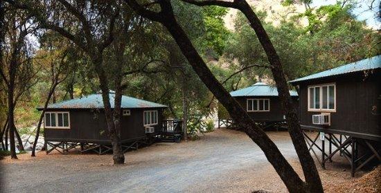 American River Resort: River Cabins