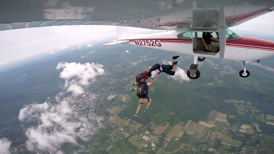 Bennington, VT: Skydiving
