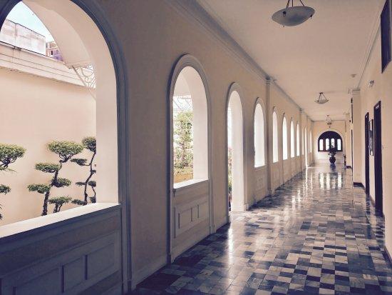 Hotel Continental Saigon: galerie du 2ème étage
