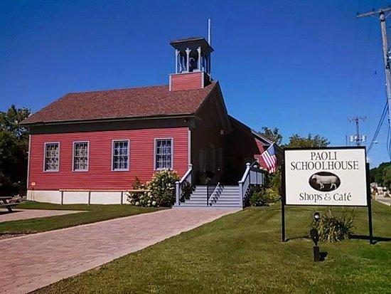 Belleville, WI: Paoli Schoolhouse