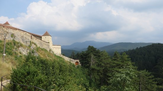 Rasnov, Rumunia: Well Situated for Defense!