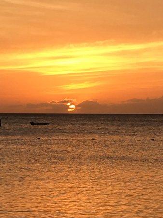 Marriott's Aruba Ocean Club : Sunset - Beach at Marriott Ocean Club