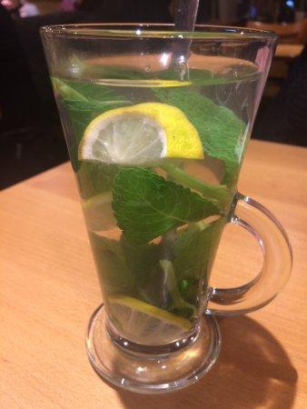 Stevenage, UK: Mint Tea