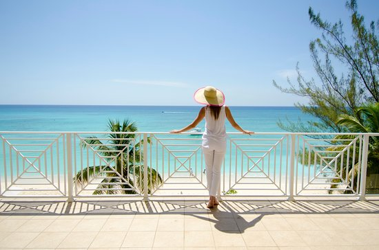 Caribbean Club Luxury Boutique Hotel: Balcony and view from Oceanfront Villa