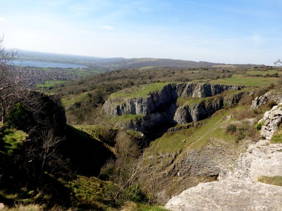 Cheddar Caves & Gorge: View from Clifftop Walk