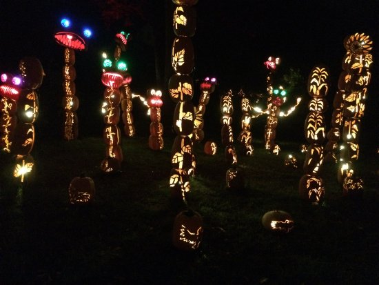 Croton on Hudson, NY: pumpkin totems