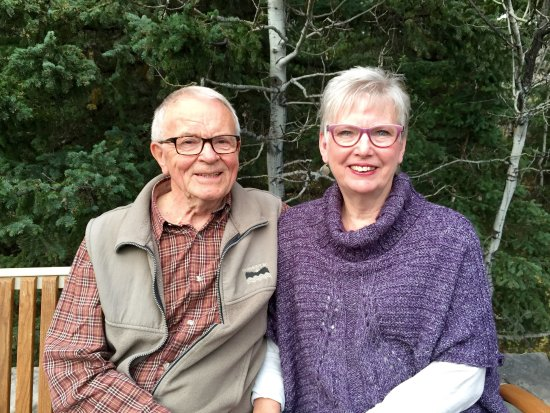 Pincher Creek, Canadá: Your hosts - John & Helen Neudorf