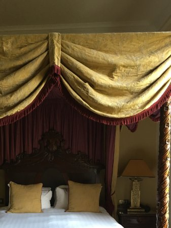 Cleator, UK: Four poster bed