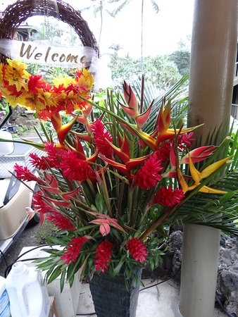 Hana Kai Maui: Beautiful flowers were at the hotel. Liked everything about the place