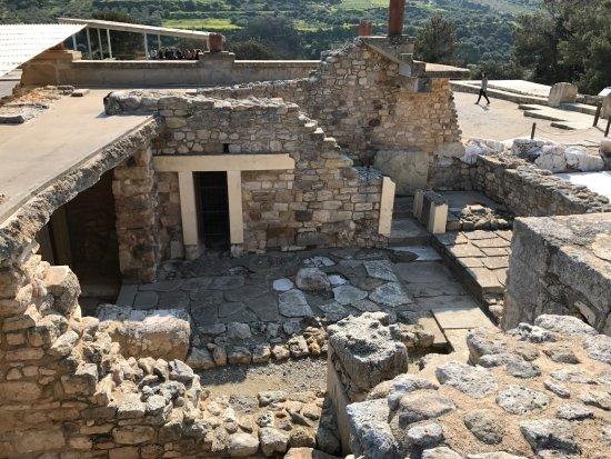 Knossos Archaeological Site: Há locais que demonstram terem até cinco andares.