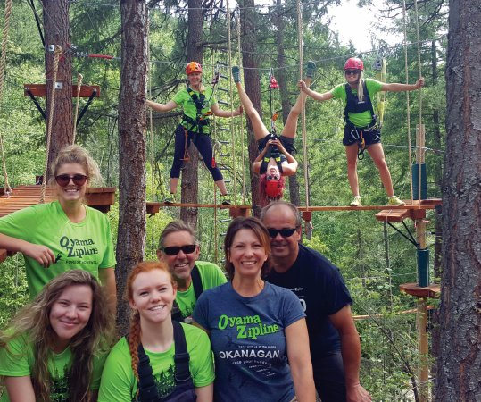Oyama, Canada: Our team is available for ground school and offering trekking tips
