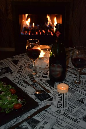Feathers Lodge Boutique Hotel: An improptu dinner in the room