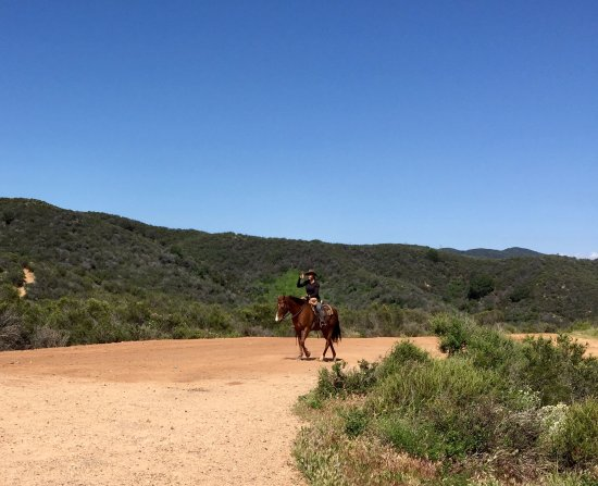 Will Rogers State Historic Park: Equestrians are allowed on the path/trail to Inspiration Point.
