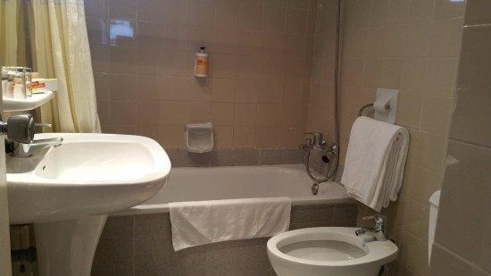 Sol Timor Apartamentos: Bathroom