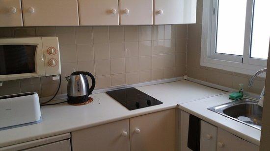 Sol Timor Apartamentos: Kitchen