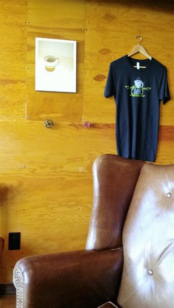 Cloverdale, CA: Interior - comfy chars and T-shirt for sale