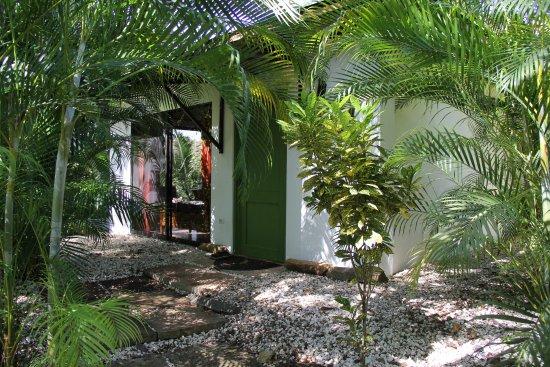 Tambor, Costa Rica: Eingang zum Bungalow