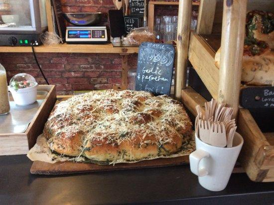 The Big Rock Cafe: Garlic nubbs