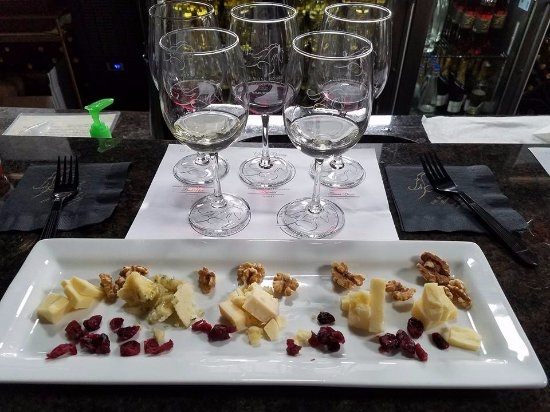 The Blind Horse Winery: Cheese Plate