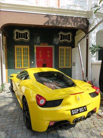 Posh cars & posh houses - Emerald Hill (12/Mar/17).