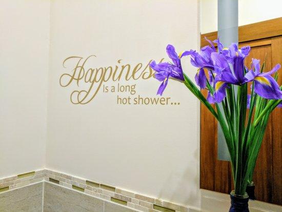 Grantown-on-Spey, UK: Relax in your own en-suite