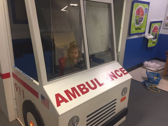 Highlands Museum and Discovery Center: Driving the ambulance~