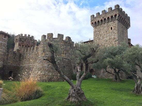 Castello di Amorosa: Visão do castelo