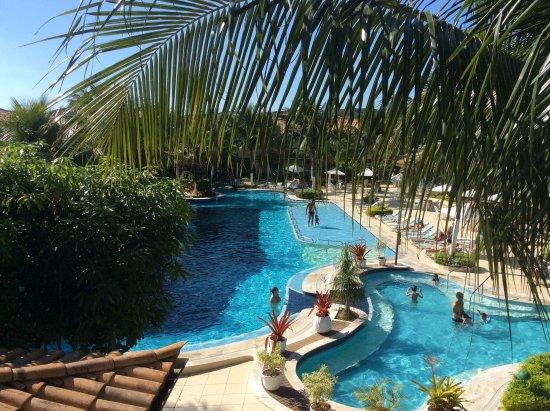 Atlantico Buzios Hotel: Piscina maravillosa, muy familiar.Vista desde la habitación
