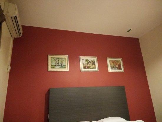 Hotel Kensington: TA_IMG_20170330_060016_large.jpg