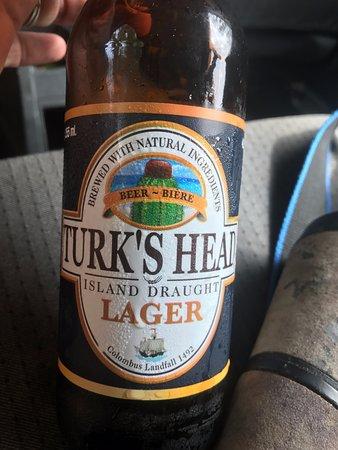 North Caicos: Cold local beer!