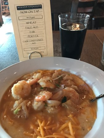 Hunter-Gatherer Brewery & Alehouse: Omg. Yum. Fresh shrimp and grits and a lovely porter. So good and not fried. A quick walk from t