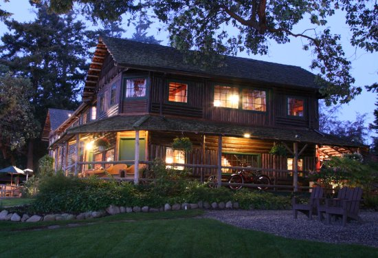 Coupeville, WA: Exterior of the Inn and Restaurant