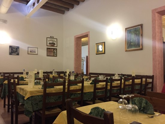 trattoria pizzeria giramondo: photo2.jpg