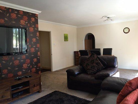St. Neot, UK: One bed flat living room
