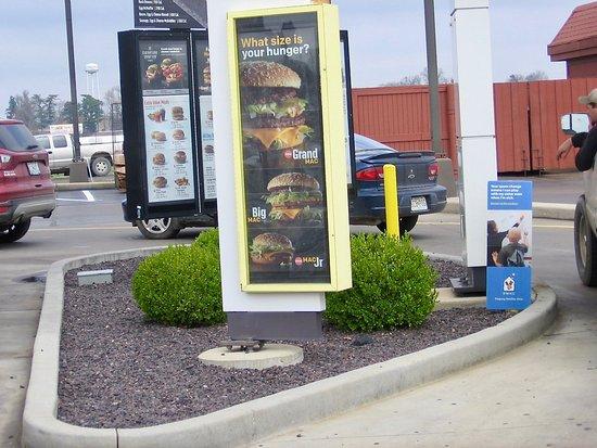 Mountain Grove, Missouri: Double drive thru