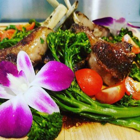 Raynham, MA: Lamb Chop Bordalaise