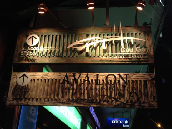 Avalon Cafe Lounge : Quite easy to miss the signs outside