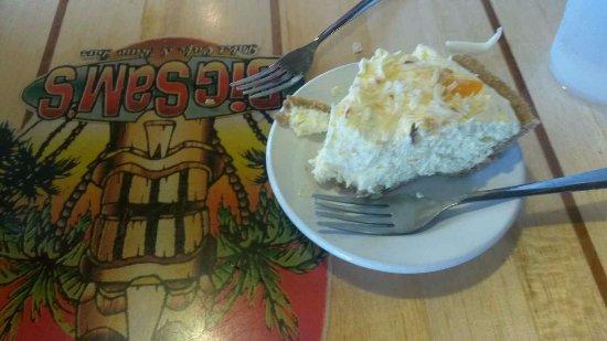 Big Sam's Grill and Raw Bar: Orange Coconut Pie