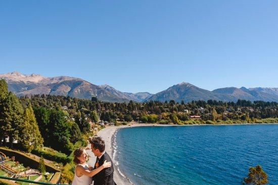Charming Luxury Lodge & Private Spa : vista de Charming con novios
