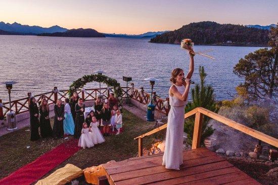 Charming Luxury Lodge & Private Spa : novia y ramo en Charming