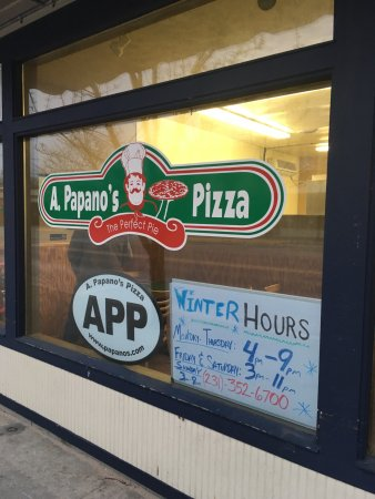 Papano's Pizza : The outside of this pizza place - just a small front for such large flavor!