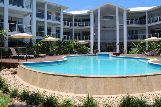 Beaches Port Douglas: The pool