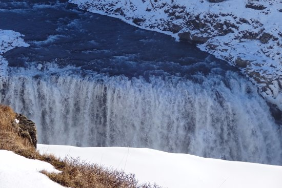 Mosfellsbaer, Iceland: Impressive waterfall