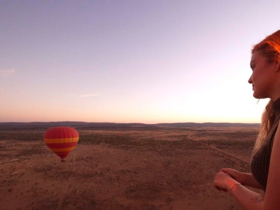 Hot air ballooning in Alice Springs