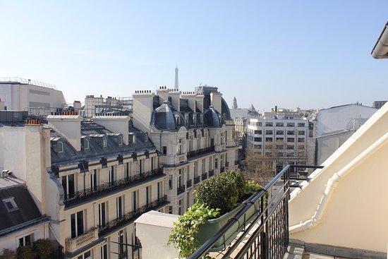 Hôtel Lancaster Paris Champs-Élysées: Room #700 View!