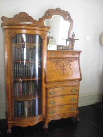 Thomas Wolfe Memorial: furniture